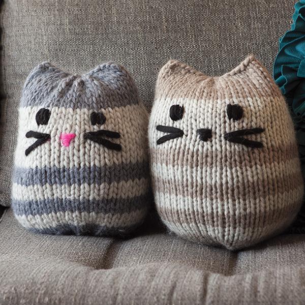 12 Weeks of Gifting - Free Mini Kitty Pouf Pattern! - KnitPicks ...